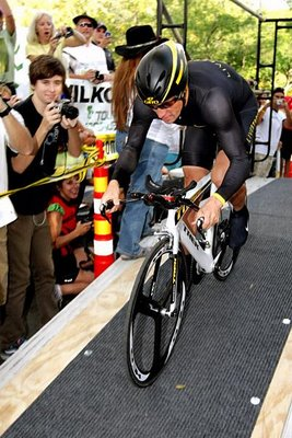 """Lance Armstrong says, """"I can't rotate my pelvis,""""…uhhh, gee, i wonder why."""